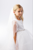 Plain Veil with Scalloped Cord Edging and Pearl Beads