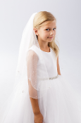 Plain Veil with Scalloped Cord Edging and Pearl Drops