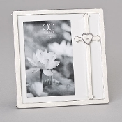 4x6 Cross with Heart Frame